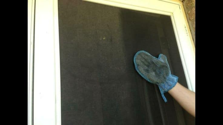Norwex Dusting Mitt cleaning screens
